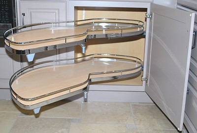 unusually-shaped-pull-out-shelves-for-corner-base-cabinet-400.jpg