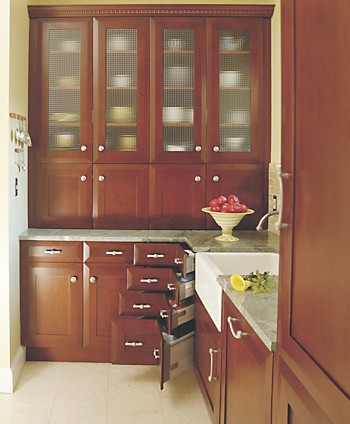 Corner drawers provide convenience and maximize the use of available space.