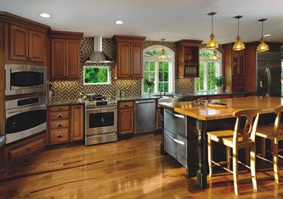 Kitchen with plenty of seating space for entertaining and ambient lighting