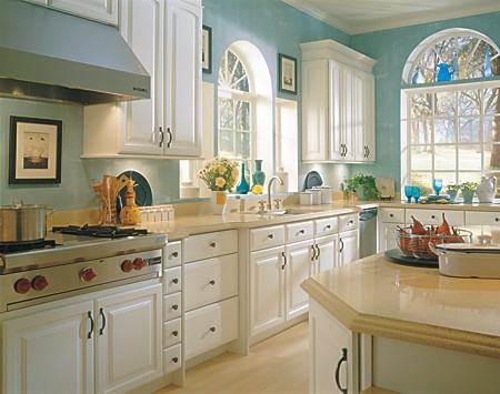 Schrock Thermafoil White Cabinetry